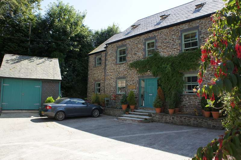 6 Bedrooms Detached House for sale in Veryan TR2