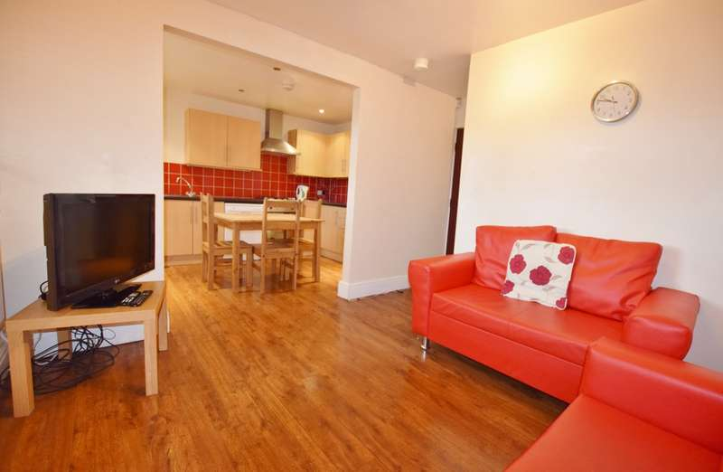 3 Bedrooms Apartment Flat for sale in Kelso Heights LS3