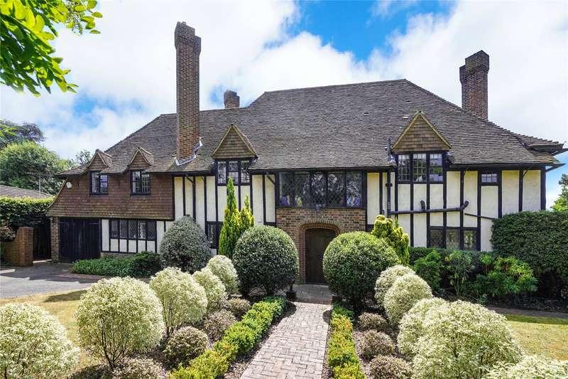 5 Bedrooms Detached House for sale in Hazel Road, West Byfleet, Surrey, KT14