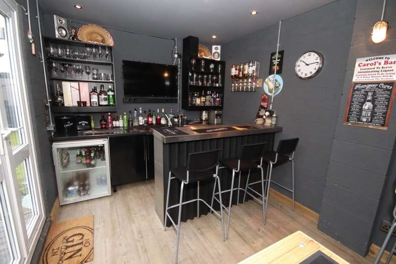 4 Bedrooms Detached House for sale in Barlows Lane, Liverpool, Merseyside, L9