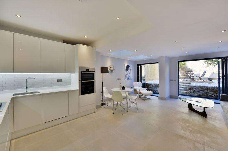 3 Bedrooms Apartment Flat for sale in Bravington Road, Maida Vale, London, W9