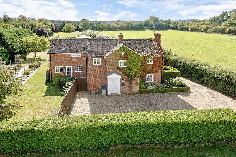 5 Bedrooms Detached House for sale in Mill Road, Buckden