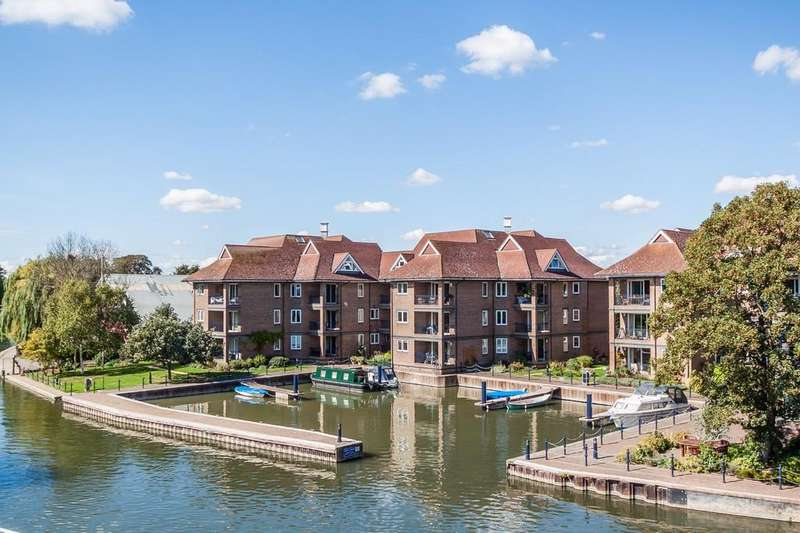 3 Bedrooms Apartment Flat for sale in Eights Marina, Cambridge
