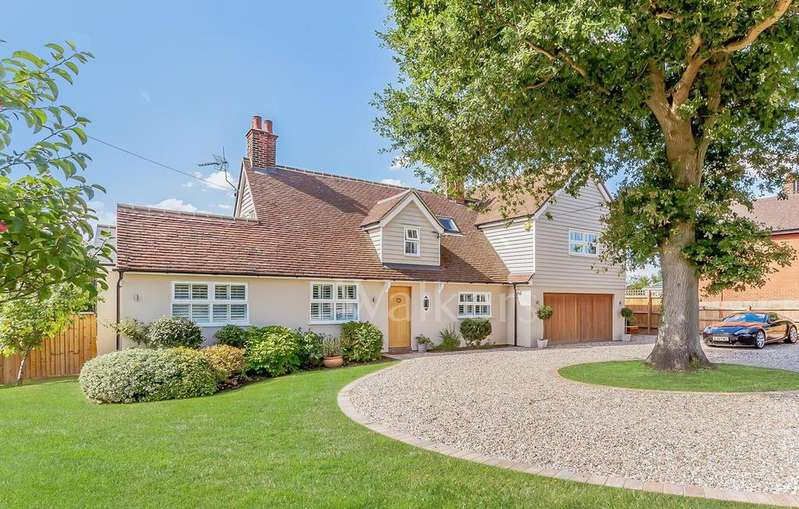 5 Bedrooms Detached House for sale in Station Road, Felsted, Dunmow