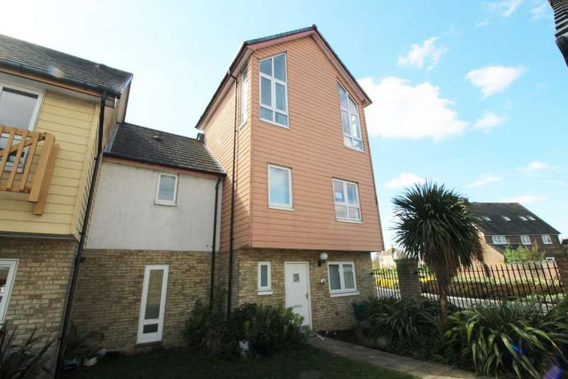 4 Bedrooms Semi Detached House for sale in Dunlin Drive, St Marys Island, Chatham, ME4