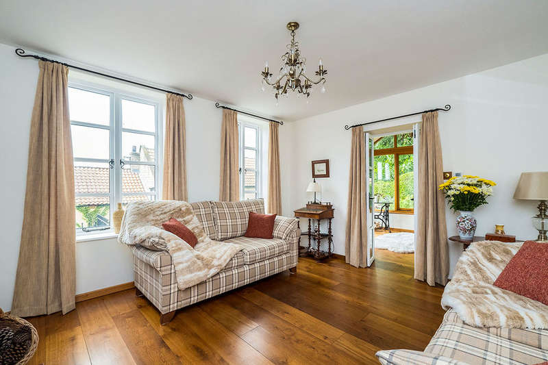 3 Bedrooms Detached House for sale in Hillside, North Anston, Sheffield, S25
