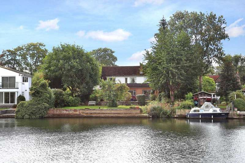 4 Bedrooms House for sale in Temple Gardens, Staines Upon Thames, TW18