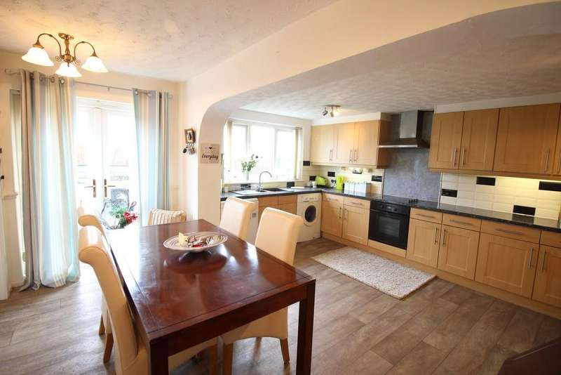 5 Bedrooms Detached House for sale in Princes Way, Fleetwood