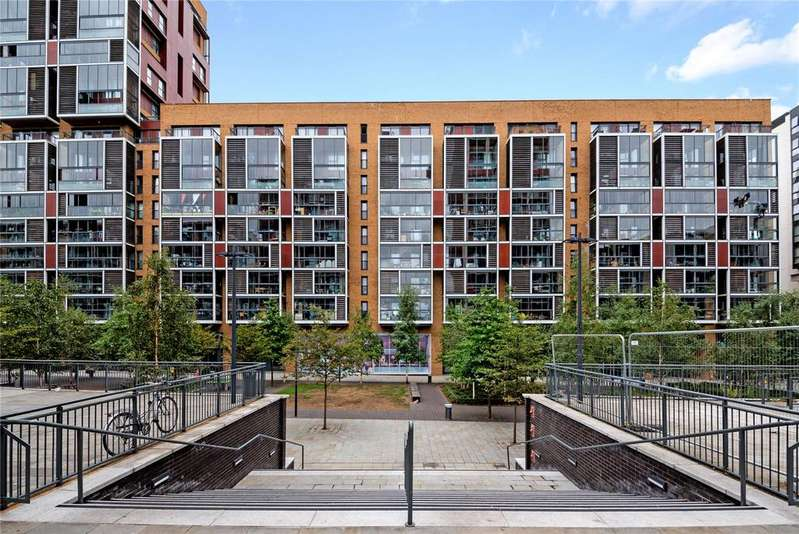 2 Bedrooms Flat for sale in Raddon Tower, Dalston Square, London, E8
