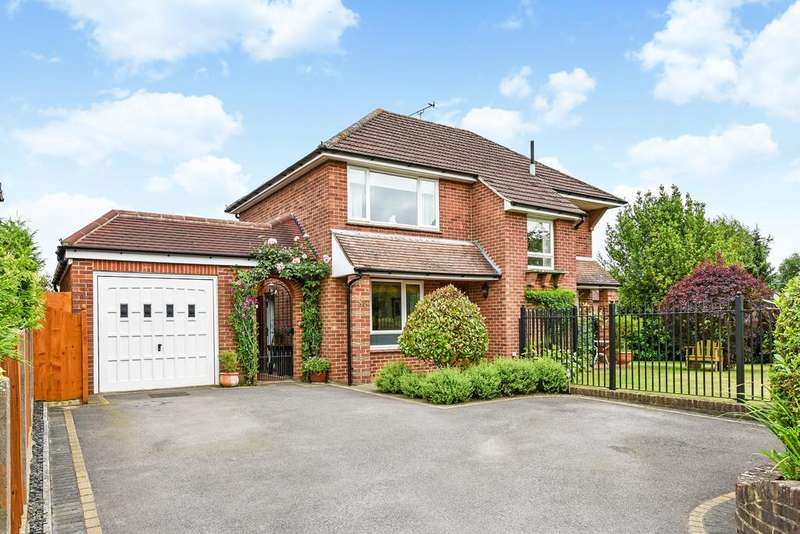3 Bedrooms Detached House for sale in Petersfield, Hampshire