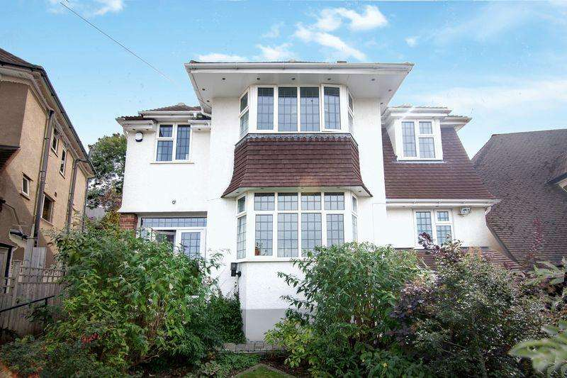 4 Bedrooms Detached House for sale in The Dell, Bristol