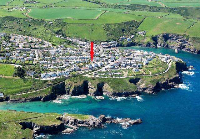 Land Commercial for sale in Port Isaac