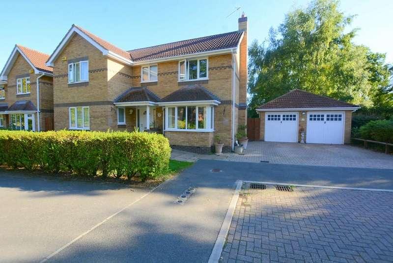 4 Bedrooms Detached House for sale in School Close, Verwood