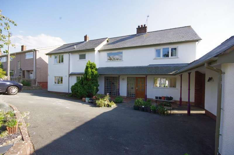 4 Bedrooms Detached House for sale in London Road, Trelawnyd