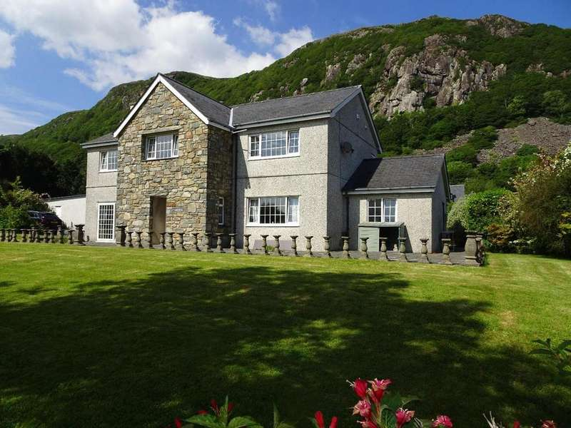 5 Bedrooms Detached House for sale in Tremadog, Porthmadog