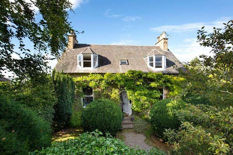 5 Bedrooms Detached House for sale in Douglas Road, Melrose, Scottish Borders, TD6
