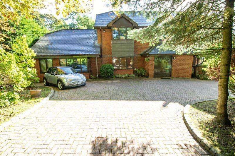 5 Bedrooms Detached House for sale in Princess Road, Lostock, Bolton