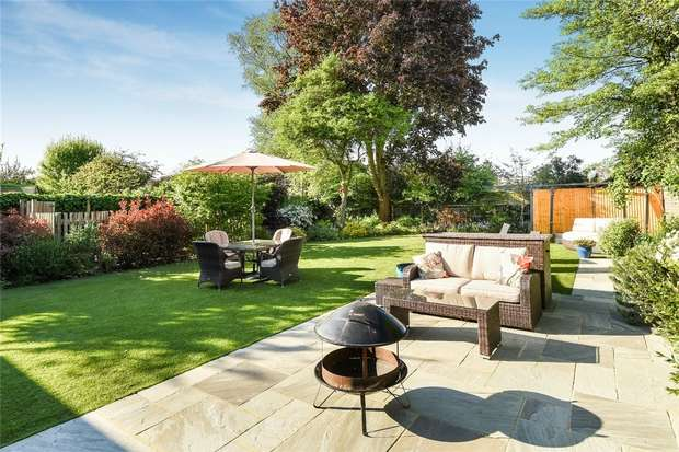 5 Bedrooms Detached House for sale in Polhill Avenue, Bedford