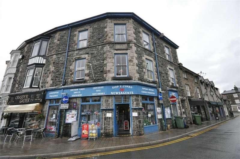 3 Bedrooms Terraced House for sale in Eldon Square, Dolgellau, Gwynedd