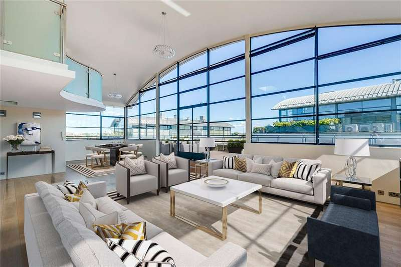 3 Bedrooms Flat for sale in Chiswick Green Studios, 1 Evershed Walk, London