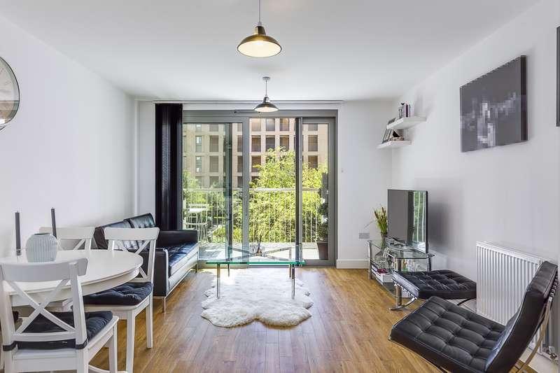1 Bedroom Flat for sale in Meadow Court, Waterside Park, E16