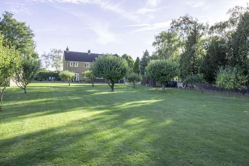 4 Bedrooms Detached House for sale in Buxtons Lane, Guilden Morden, SG8