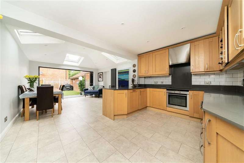 4 Bedrooms End Of Terrace House for sale in The Brambles, St Albans, Hertfordshire