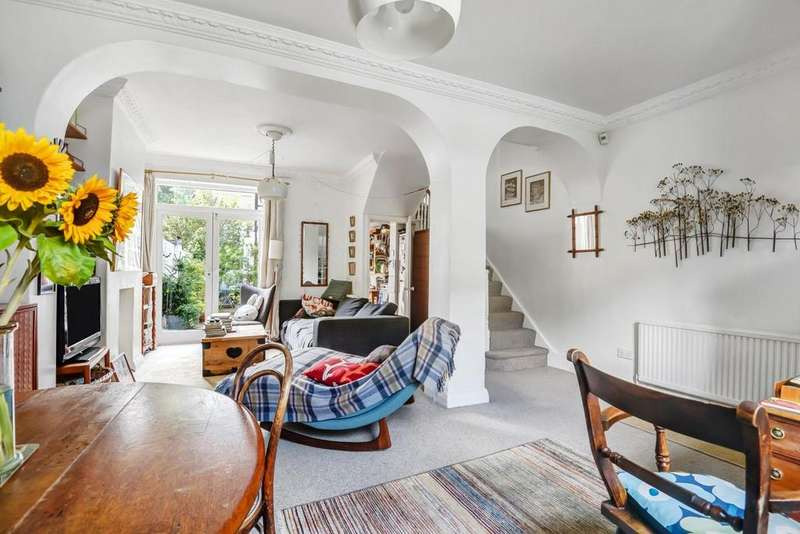 3 Bedrooms Terraced House for sale in Blackstock Road, Finsbury Road
