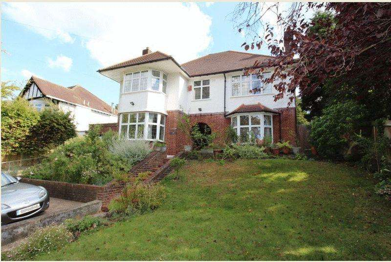 4 Bedrooms Detached House for sale in Woodmansterne Road, Carshalton Beeches