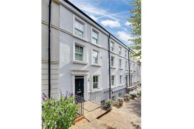 5 Bedrooms Terraced House for sale in Southwood Lane, Highgate Village, London, N6
