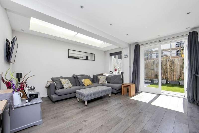 2 Bedrooms Flat for sale in Archel Road, London