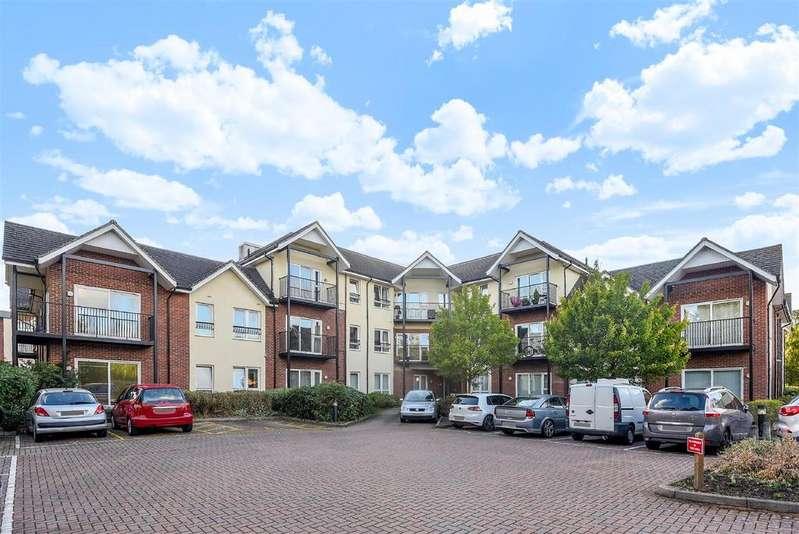 2 Bedrooms Apartment Flat for sale in Merydene Court, London Road, Binfield, RG42 4BR