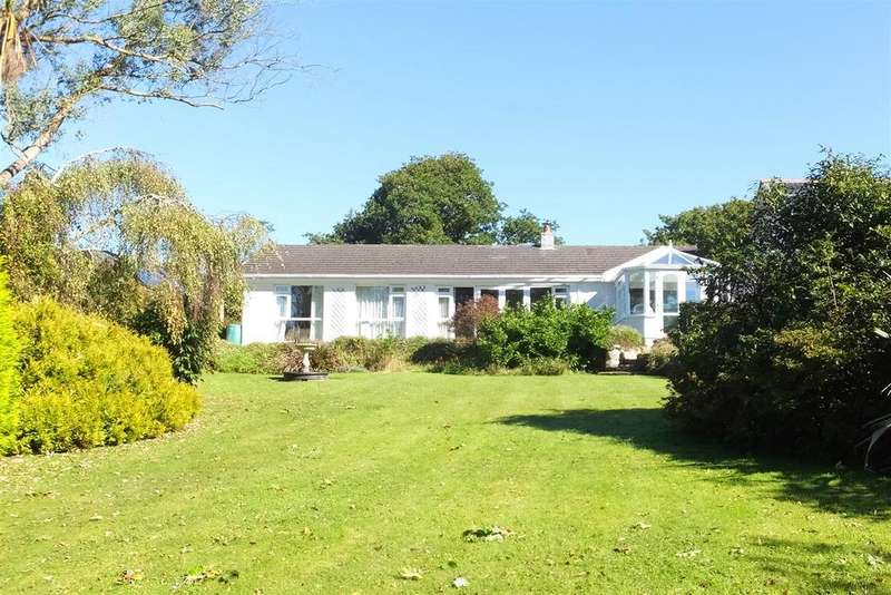 4 Bedrooms Detached Bungalow for sale in Scarcewater Vean, St. Clement, Truro