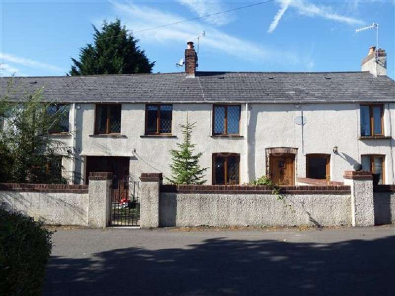 4 Bedrooms Cottage House for sale in Millbrook Place, Berthon Road, Little Mill, Pontypool, Monmouthshire. NP4 0HN