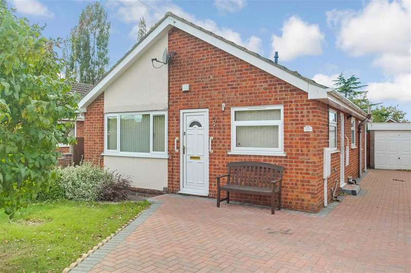 3 Bedrooms Bungalow for sale in Pine Close, Lincoln