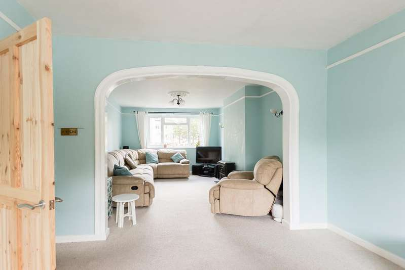 3 Bedrooms Flat for sale in Manchester Road, London E14