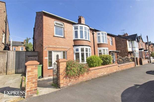 3 Bedrooms Semi Detached House for sale in Dicconson Street, Wigan, Lancashire