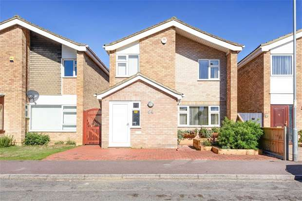 3 Bedrooms Detached House for sale in Whitworth Way, Wilstead
