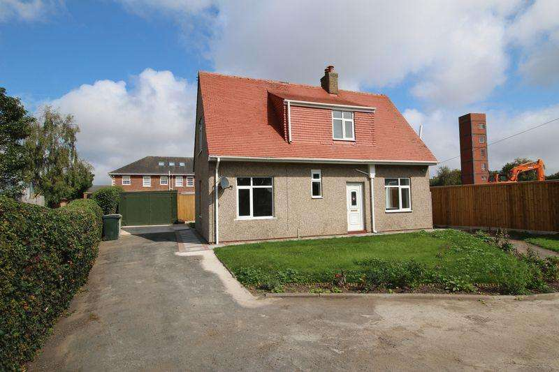 3 Bedrooms Detached House for sale in Burgh Road, Skegness