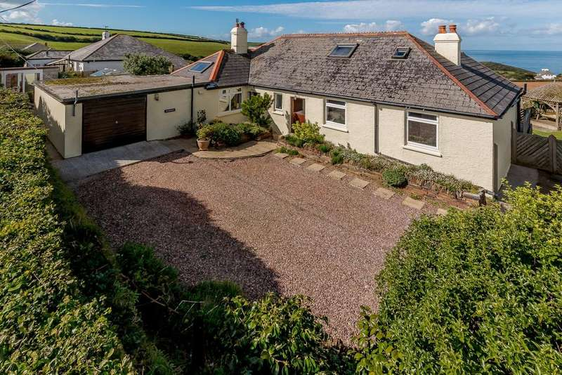 5 Bedrooms Detached Bungalow for sale in Crackington Haven, Bude, Cornwall