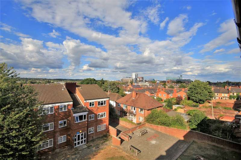 2 Bedrooms Flat for sale in Branksome Court, Prospect Street, Reading, RG1