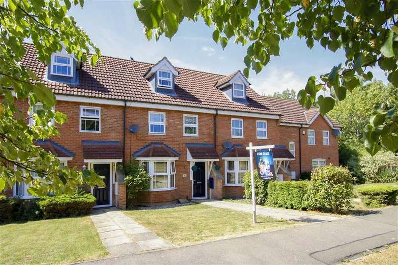 3 Bedrooms Town House for sale in Pascal Drive, Medbourne, Milton Keynes, Buckinghamshire