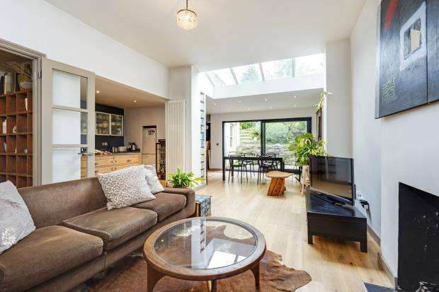2 Bedrooms Flat for sale in Woodland Gardens, Muswell Hill, London, N10