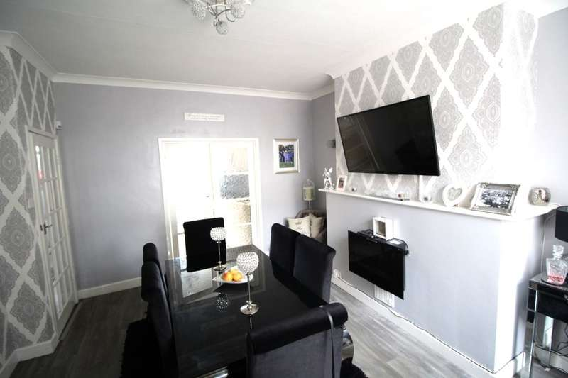 2 Bedrooms Terraced House for sale in Shakespeare Street, Padiham, Burnley, BB12