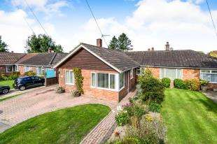 3 Bedrooms Bungalow for sale in South Acre, South Harting, Petersfield, .
