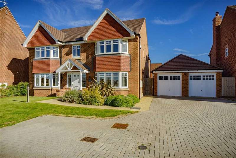 5 Bedrooms Detached House for sale in Carroll Drive, Chase Meadow, Warwick, CV34