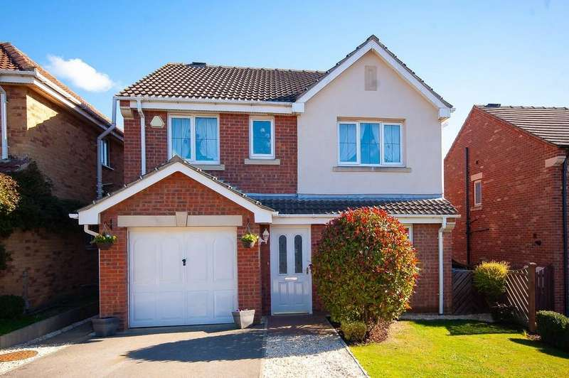 4 Bedrooms Detached House for sale in Plumpton Park, Shafton