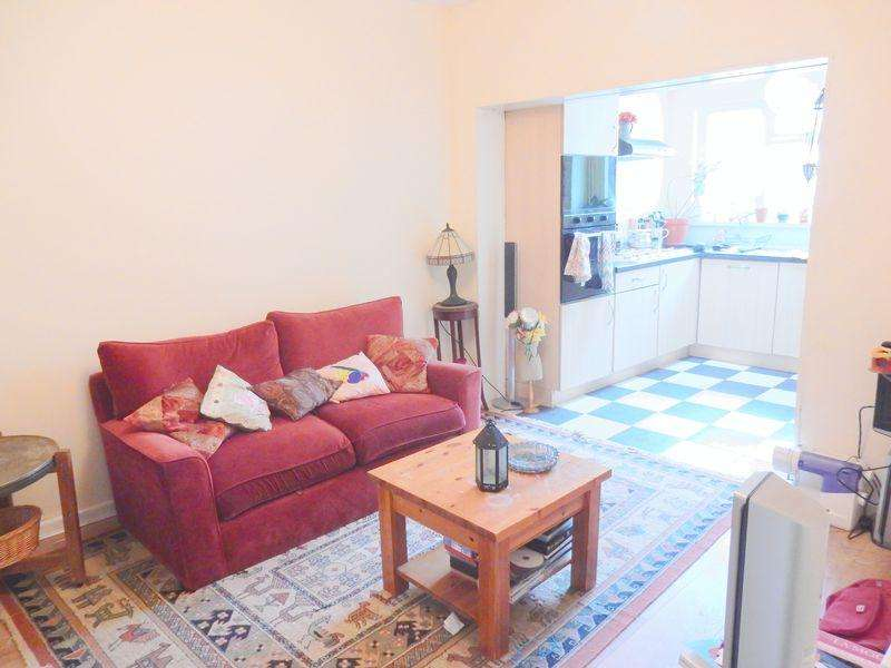 3 Bedrooms Terraced House for sale in Glen Park, Eastville, Bristol