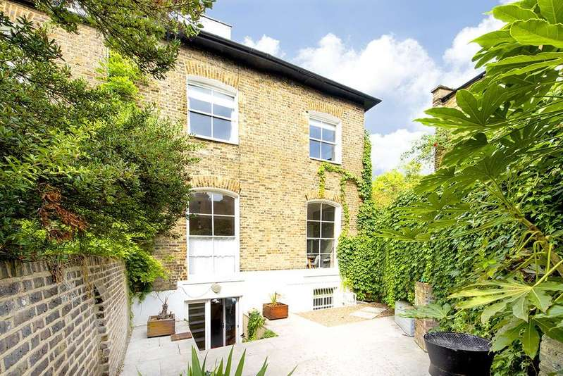 3 Bedrooms Apartment Flat for sale in Aubert Park, Highbury, London, N5