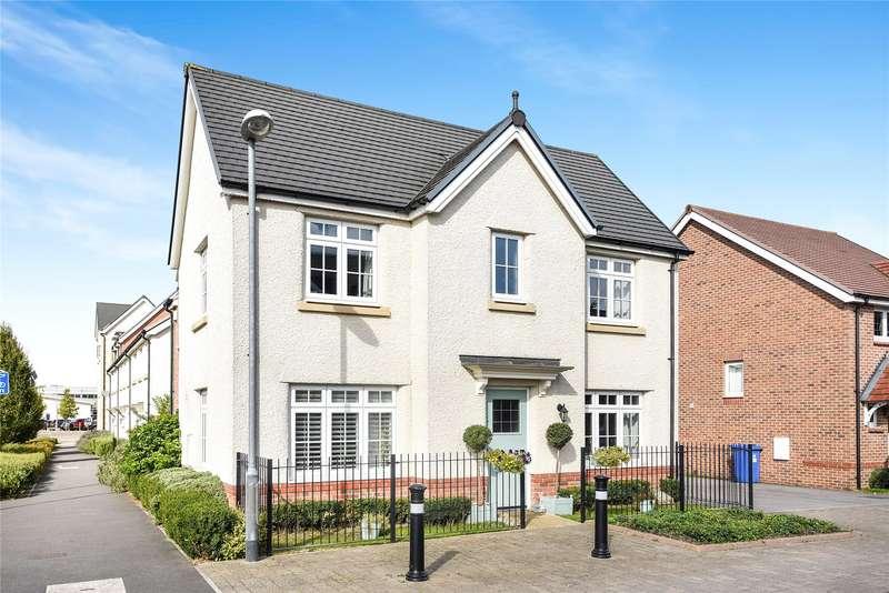 4 Bedrooms Detached House for sale in Flycatcher Keep, Jennett's Park, Bracknell, Berkshire, RG12